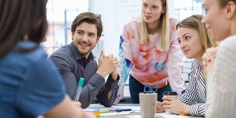 Mitarbeiter bei der Besprechung